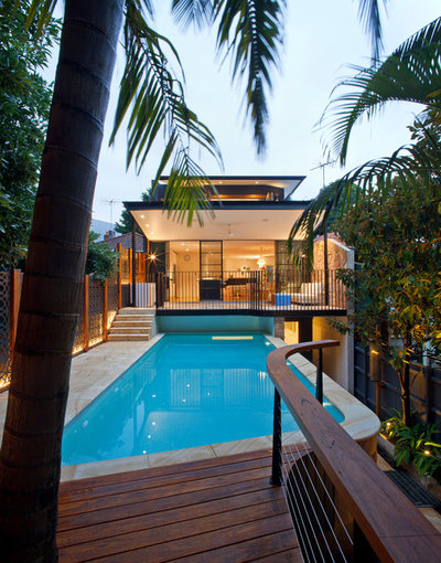 Contemporary Pool by SMARTHOMEWORKS