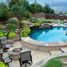 Traditional Pool by Mirage Custom Pools, LLC