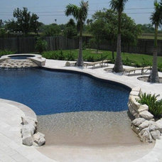 Tropical Pool by HAMLIN POOLS
