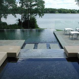 Diseño de piscina elevada, minimalista, grande