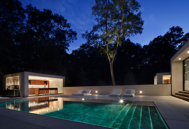 Modern Pool by Specht Architects