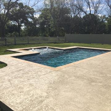New Gunite Swimming Pool w/ Outside Tanning Ledge