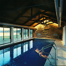 Traditional Pool by Three Four Builders