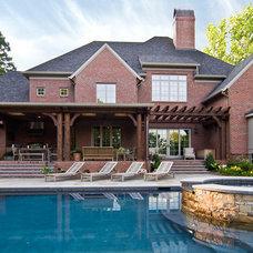 Traditional Pool by Carolina Design Associates, LLC
