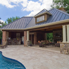Traditional Pool by Carolina Design Associates, LLC