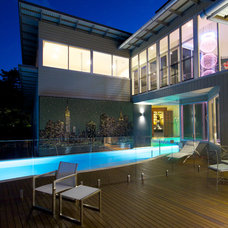 Contemporary Pool by BRD Group Pty Ltd