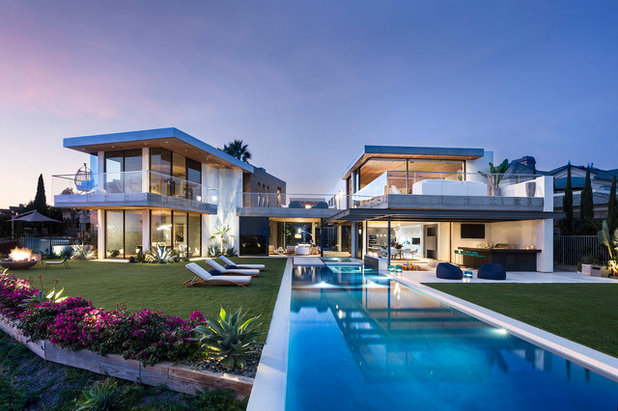 Contemporary Pool by Wolf Design Studio