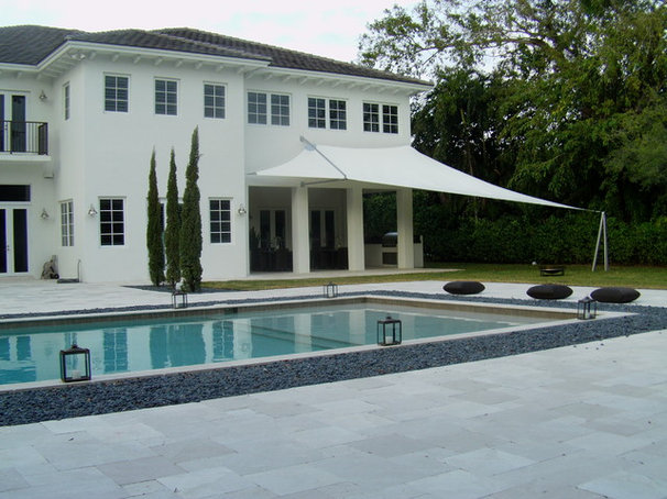 Modern Pool by noequaldesign.com