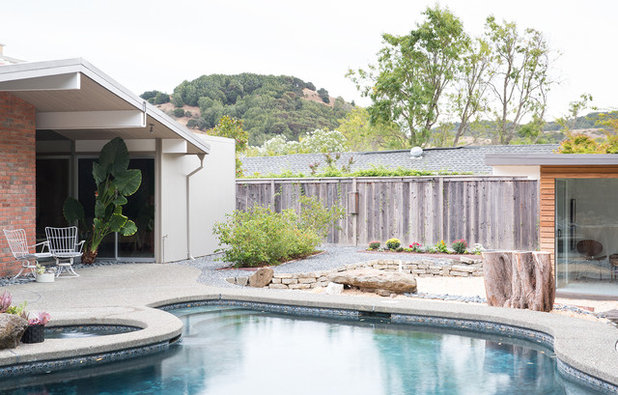 Midcentury Pool by Gast Architects