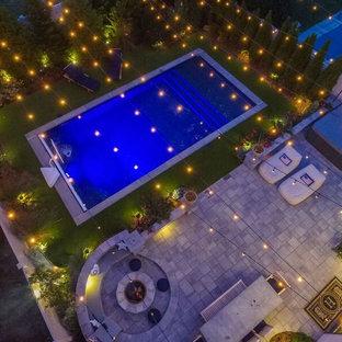 Mittelgroßes Modernes Sportbecken hinter dem Haus in rechteckiger Form mit Stempelbeton in New York