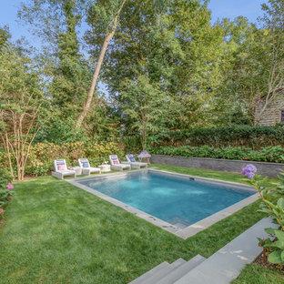 Idee per una piscina stile marino rettangolare dietro casa con una dépendance a bordo piscina