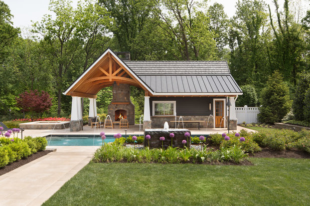 Traditional Swimming Pool & Hot Tub by SURROUNDS Landscape Architecture + Construction