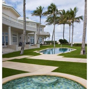 Diseño de piscinas y jacuzzis exóticos a medida