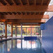 Contemporary Pool by Billinkoff Architecture PLLC