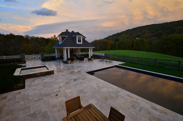 Craftsman Pool by Town & Country Pools, Inc.