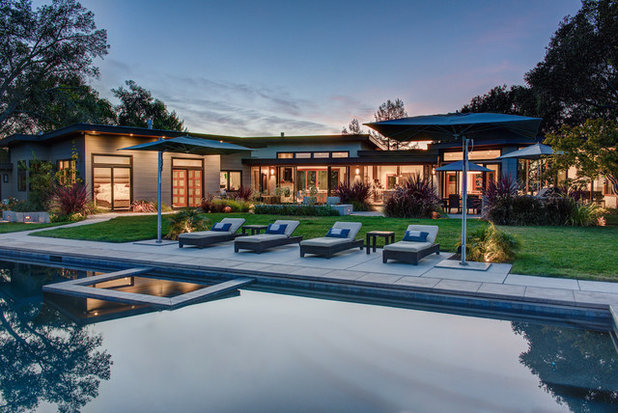 Contemporary Pool by Canyon Design Build
