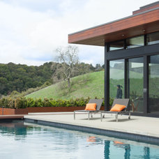 Modern Pool by Thuilot Associates
