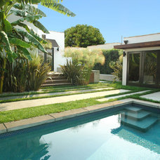 Contemporary Pool by June Street Architecture