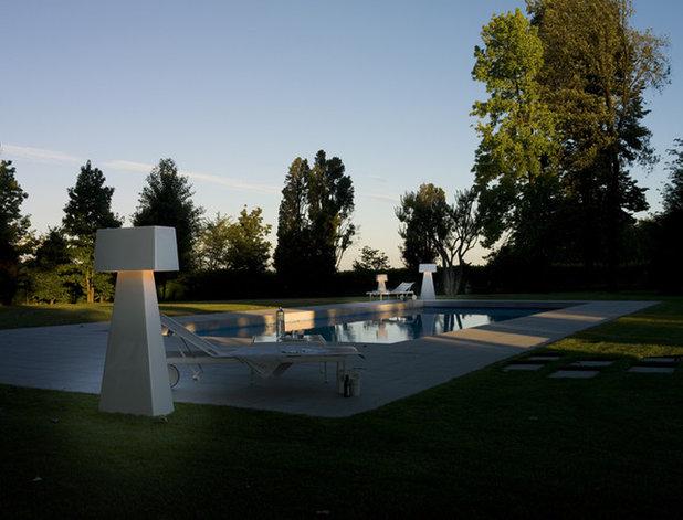 Modern Pool by usona