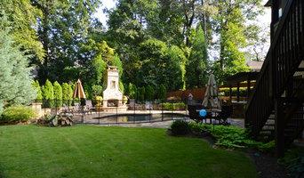 Outdoor Kitchen & Pool