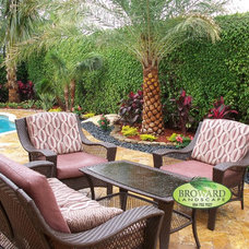Tropical Pool by Broward Landscape, Inc.