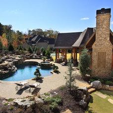 Traditional Pool by Alex Custom Homes, LLC