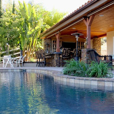 Traditional Pool by Full Circle Design & Remodeling