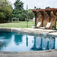 Traditional Pool by Kitty Raulston-Thomas Interior Designs
