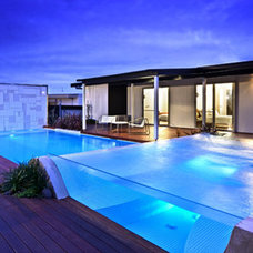 Modern Pool Outdoor Swimming Pool with Glass Concept