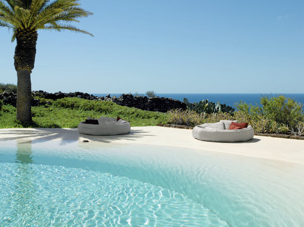 Beach Style Pool by escale design
