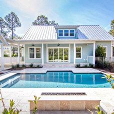 Tropical Pool by Glenn Layton Homes