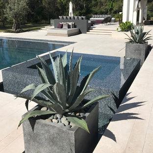 Свежая идея для дизайна: бассейн в скандинавском стиле - отличное фото интерьера
