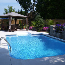 Traditional Pool by In Season Living ( Wanda Brooks ) owner