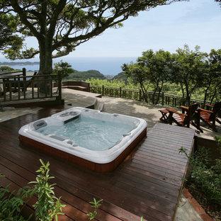 Diseño de piscinas y jacuzzis elevados, rurales, pequeños, rectangulares, en patio trasero, con entablado