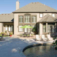 Traditional Pool by Handy Home Buyers