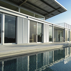 Modern Pool by hughesumbanhowar architects