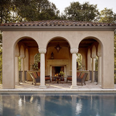 traditional pool by Charlie Barnett Associates