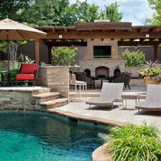 Traditional Pool by Dal-Rich Design & Construction