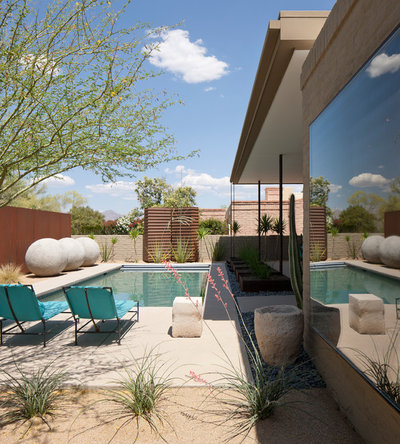 Great Contemporary Pool by Ibarra Rosano Design Architects