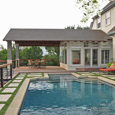 Traditional Pool by Realty Restoration, LLC
