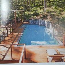 Contemporary Pool by Deking Pty Ltd