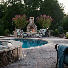 Traditional Pool by Go Pavers