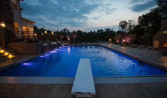 Pool Design and Construction with Water Fountains