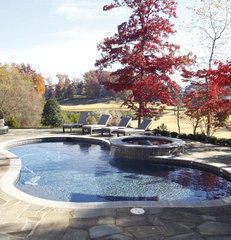 traditional pool by Grainda Builders, Inc.
