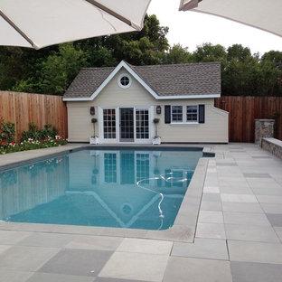 Modelo de piscina costera pequeña