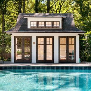 Diseño de casa de la piscina y piscina tradicional renovada, rectangular, con adoquines de ladrillo