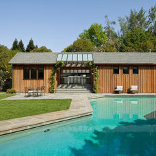 Contemporary Pool by Richardson Architects