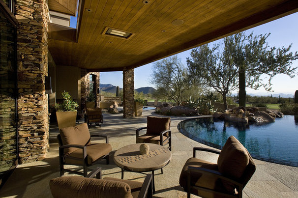 Contemporary Pool by R.J. Gurley Construction