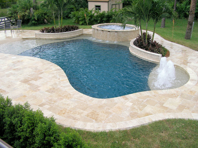 Traditional Pool by Pool Tek of the Palm Beaches