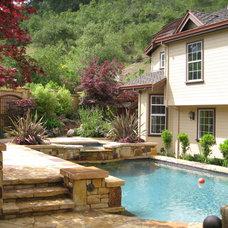 Traditional Pool by Glenn Robert Lym Architect